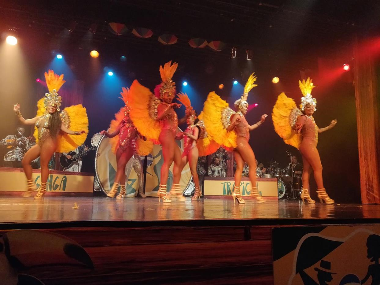 Ginga Tropical Rio Carnival Show