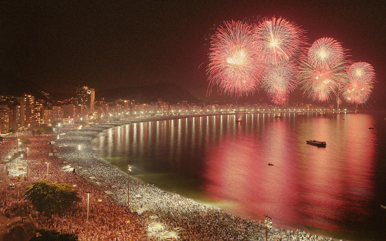 Riio-de-Janeiro-New-Years-Eve-party