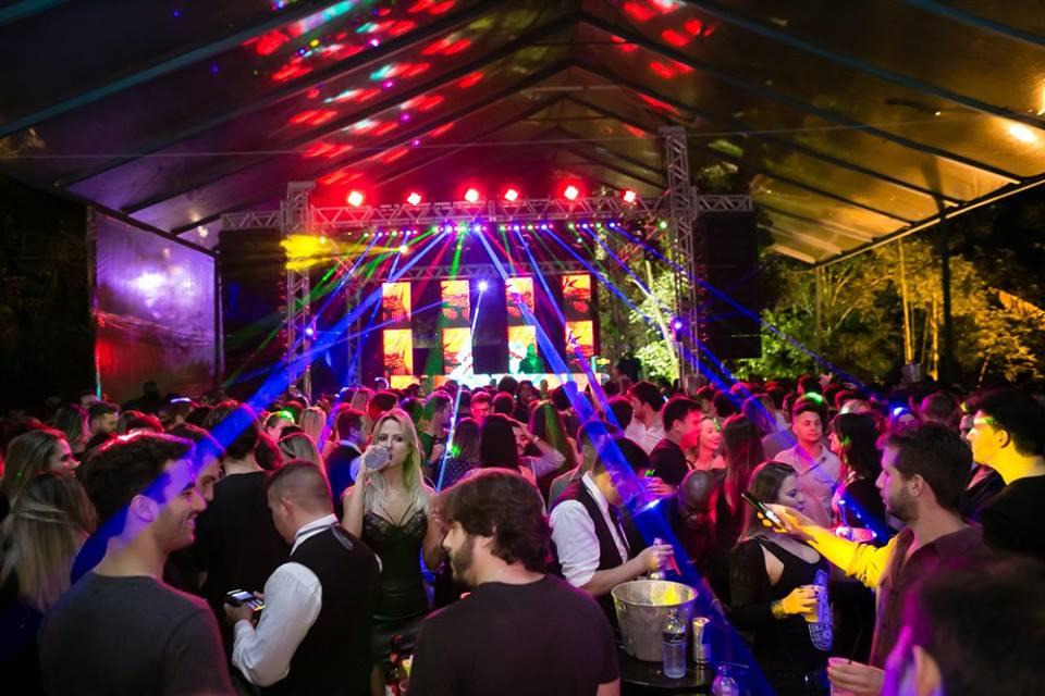 Rio Apotheosis Maracana Party