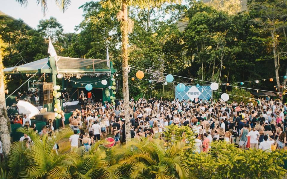 Rio de Janeiro Carnival Pool Party