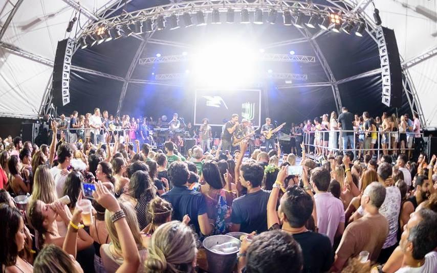 Rio de Janeiro Eva Band Party