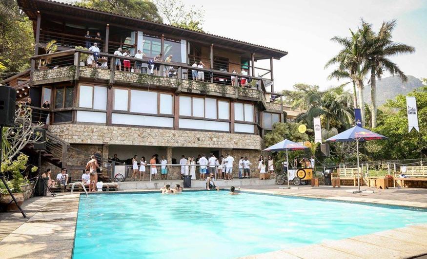 White Pool Party Spring Break Rio 2017